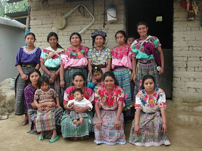 orang-orang bangsa Maya